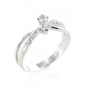 Anello Solitario con diamanti sul gambo per carati totali 0.18 colore F - gallery