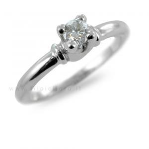 Anello Solitario in oro con diamanti per carati 0,27 H purezza IF - gallery