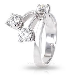 Anello con diamanti ct 0.98 colore G tre pietre fantasia - gallery