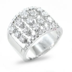 Anello fantasia tempestato da diamanti per oltre 1.00 un carato - gallery