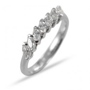 Anello Riviera a 7 diamanti navette in oro e diamanti da mezzo carato - gallery