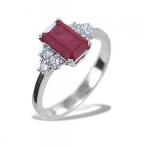 Anello Rubino centrale e diamanti laterali - Rubino Grande - gallery