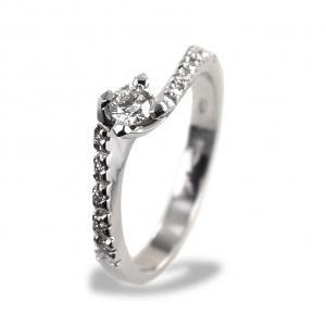 Anello solitario con diamanti sul gambo Valentine 0.30 ct - gallery