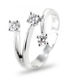 Anello Trilogy sfalsato su tre gambi con diamanti ct 0.20 G VS Gioielli Valenza - gallery
