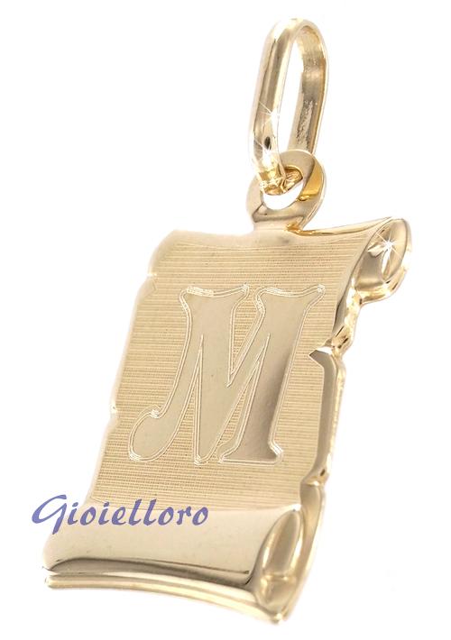 Ciondolo Pergamena in oro giallo personalizzabile con iniziale