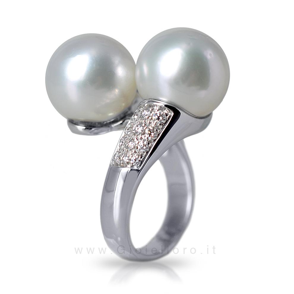 Anello Contrarie' con Perle australiane e Diamanti