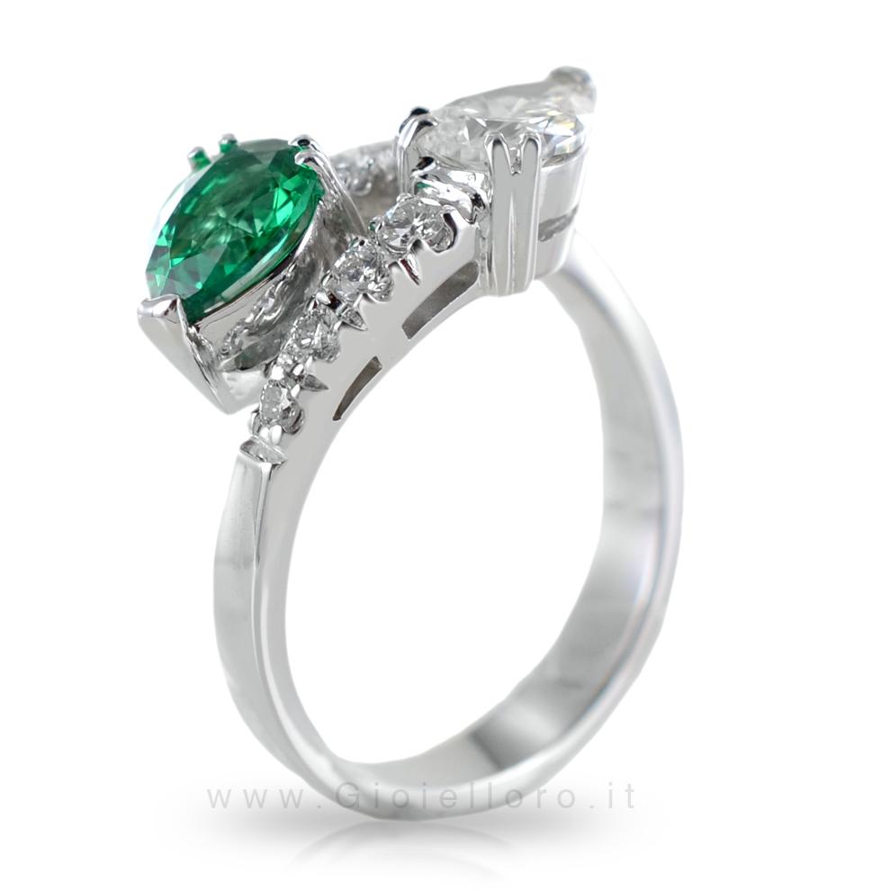 Anello Contrarie' con Smeraldo e Diamante a Goccia