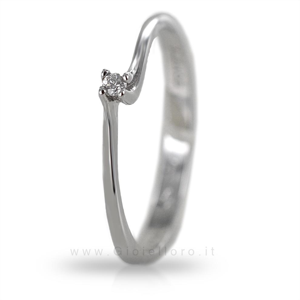 Anello Solitario Comete Gioielli con Diamante ct 0.02 G