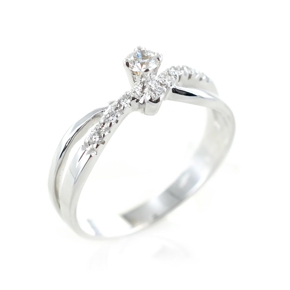 Anello Solitario con diamanti sul gambo per carati totali 0.18 colore F
