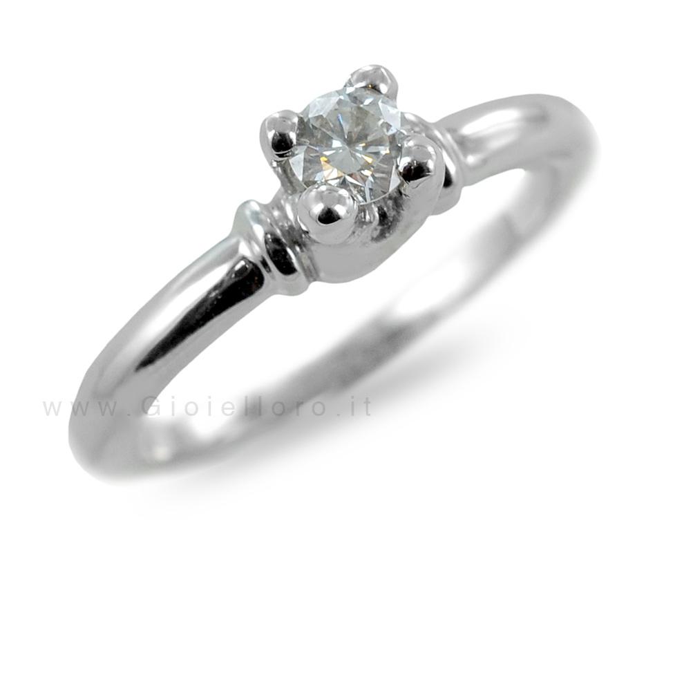 Anello Solitario in oro con diamanti per carati 0,27 H purezza IF