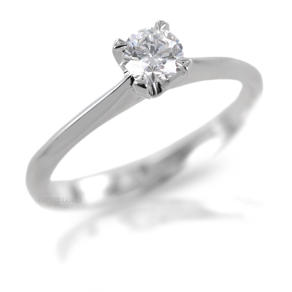 Anello Solitario in oro e Diamante Dluce  ct. 0.16 colore G