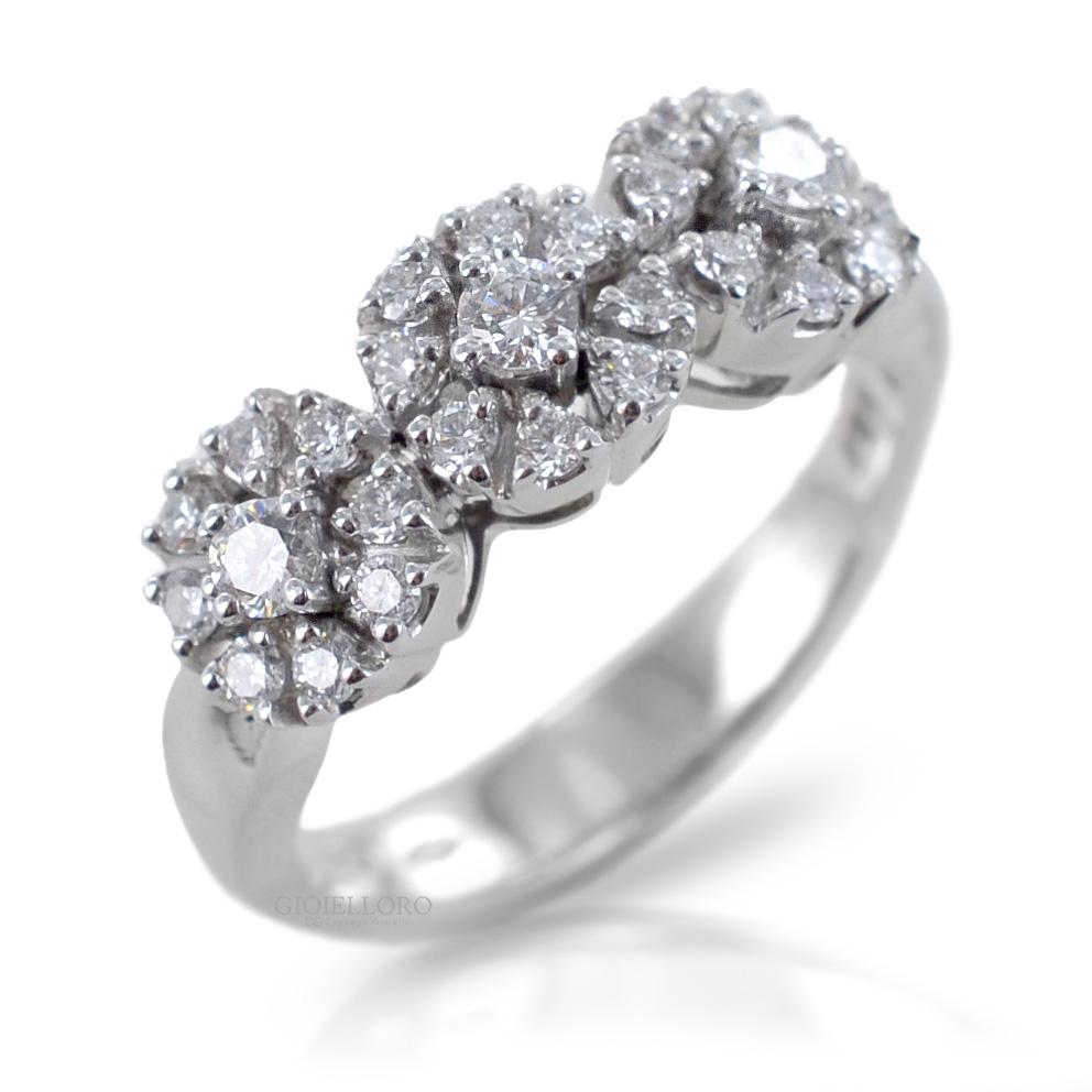 Anello Trilogy Effect in oro e diamanti ct. 0.61 G