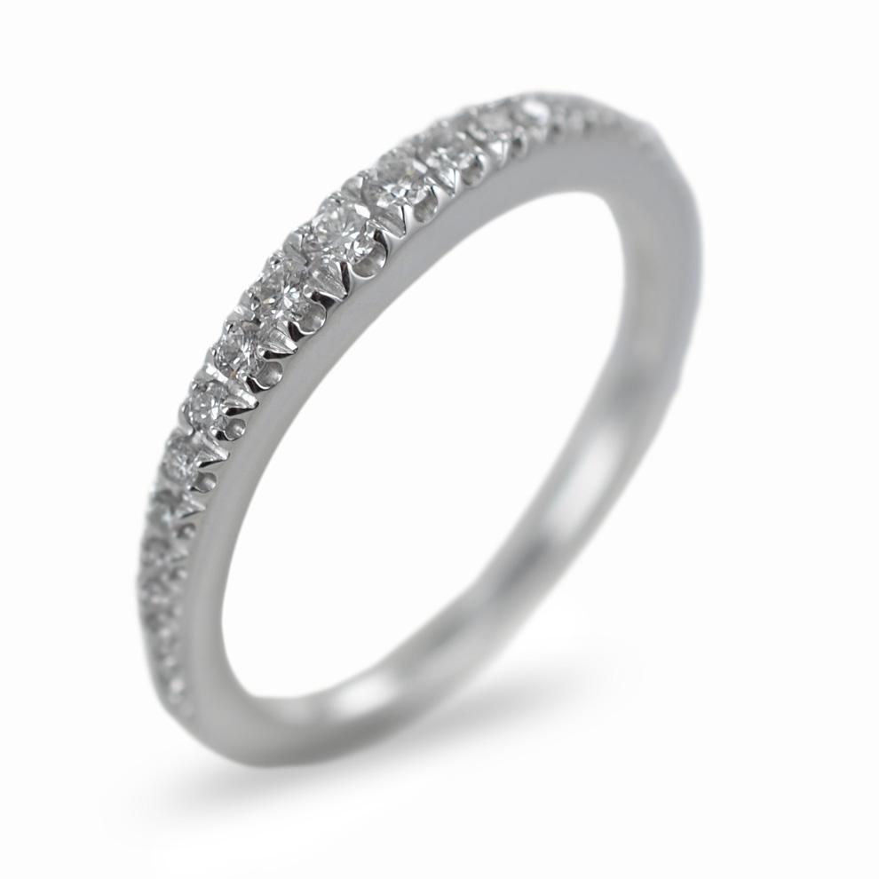 Anello Veretta a scalare in oro e diamanti ct 0.19 G