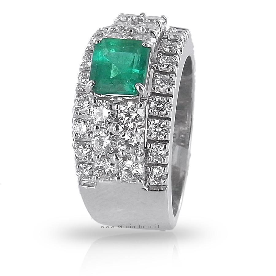 Anello a Fascia con Diamanti ct 1.24 e Smeraldo centrale ct 0.93