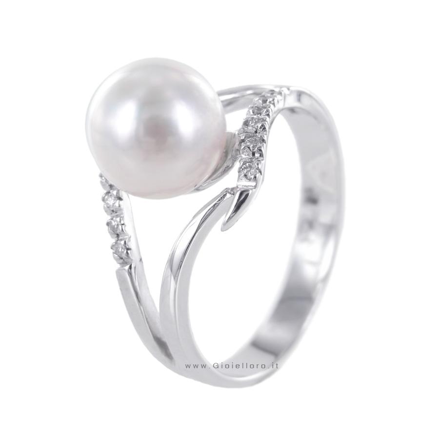 Anello con Perla AKOYA 8-8.50 mm e Diamanti