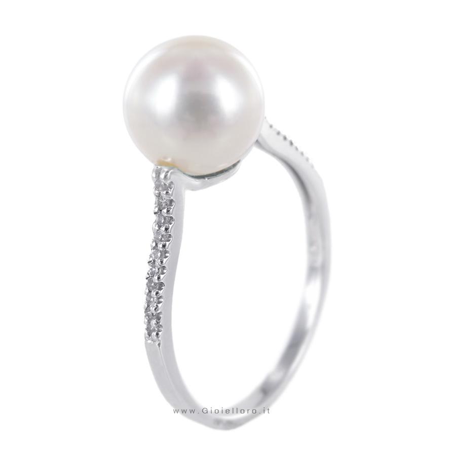 Anello con Perla Freshwater 8-8.50 mm e Diamanti