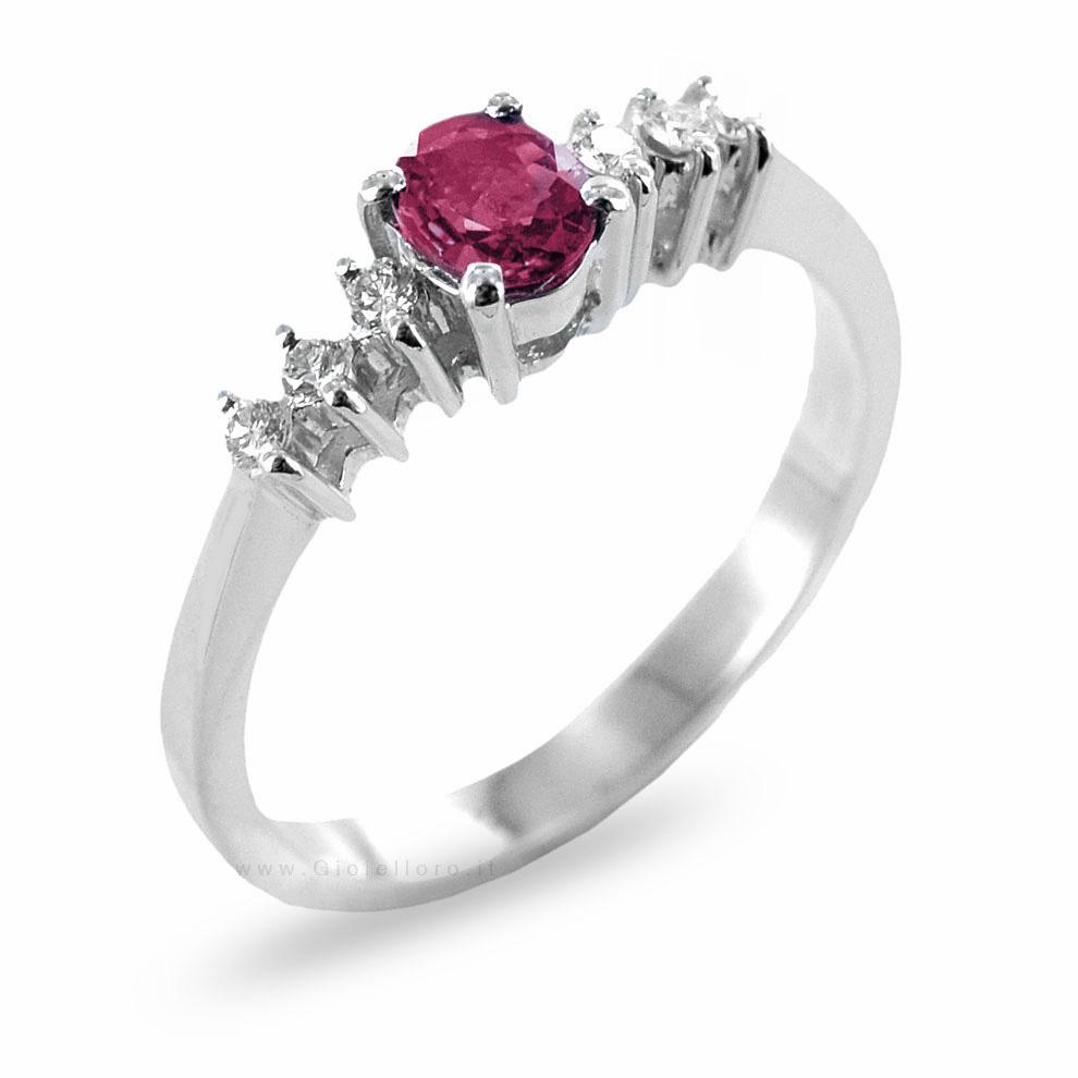Anello con Rubino ct 0.46 e Diamanti sul gambo
