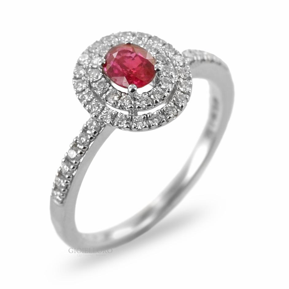 Anello con Rubino ovale e doppio contorno di diamanti Gioielli Valenza