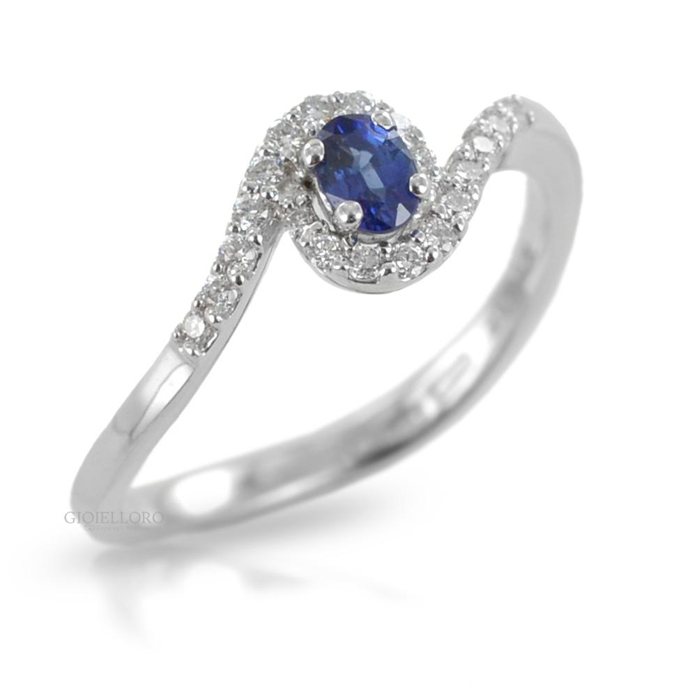 Anello con Zaffiro KANCH centrale ct. 0.22 e diamanti Gioielli Valenza