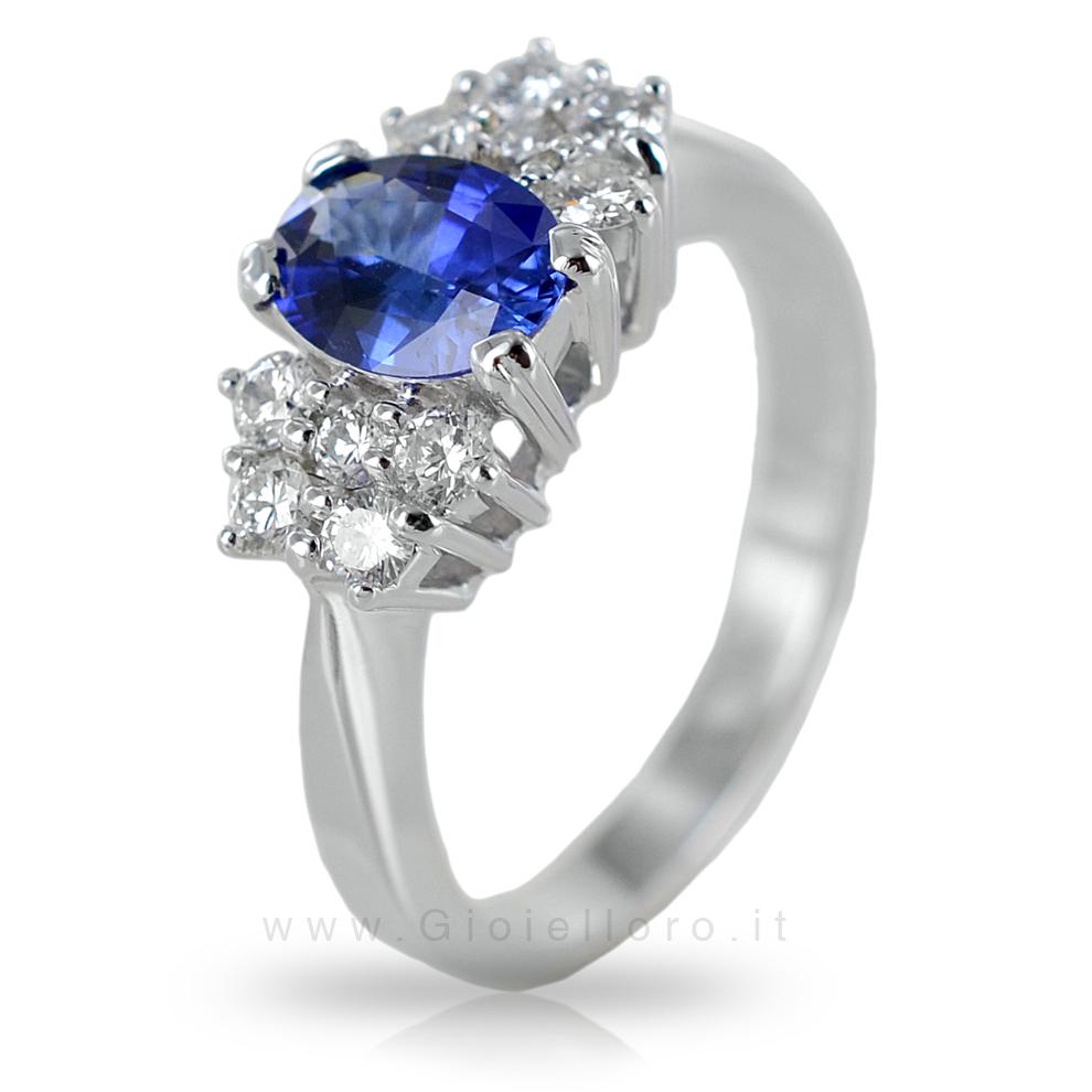 Anello con Zaffiro centrale 0.93 ct e Diamanti 0.40 G