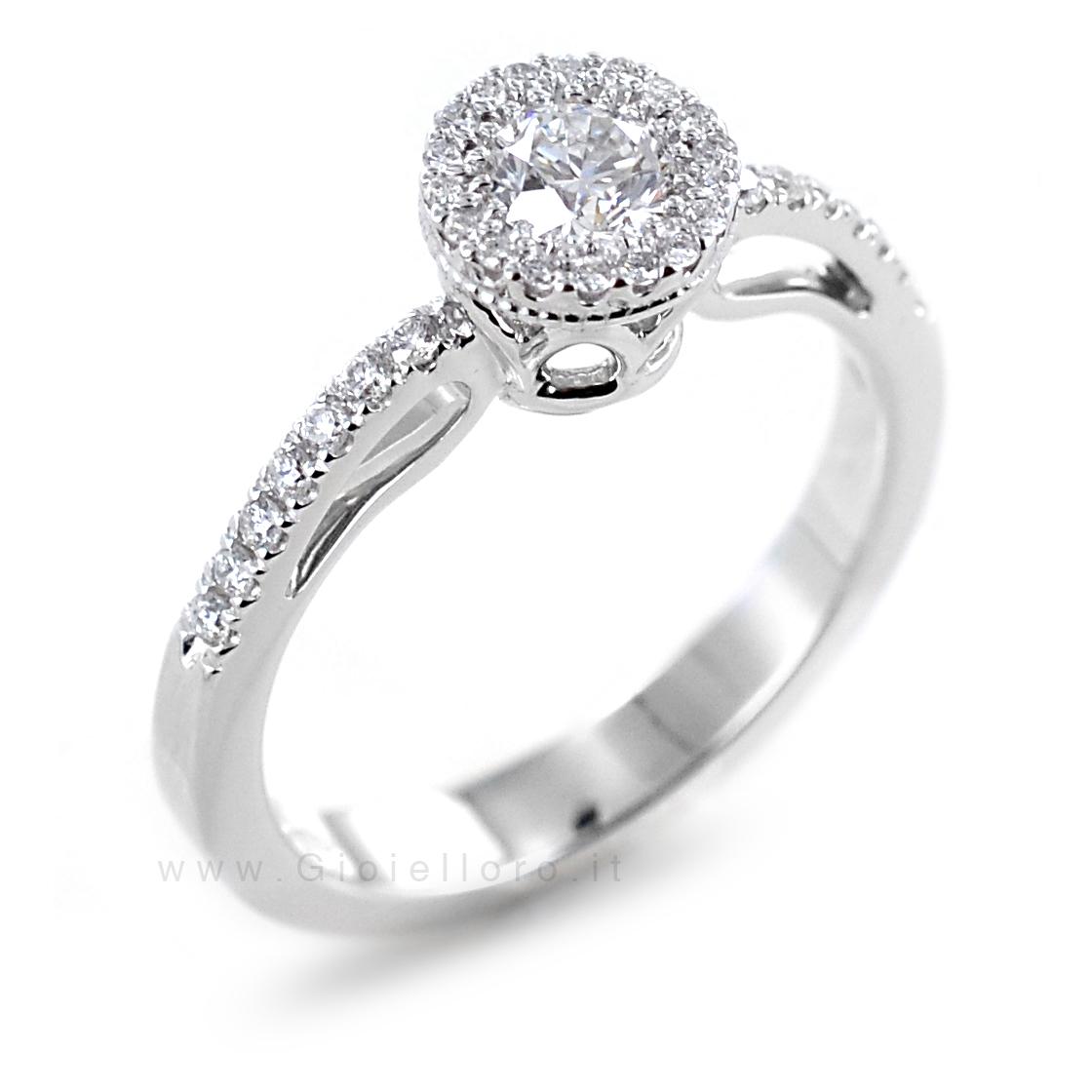 Anello effetto Solitario in oro e Diamanti Dluce collezione Diva