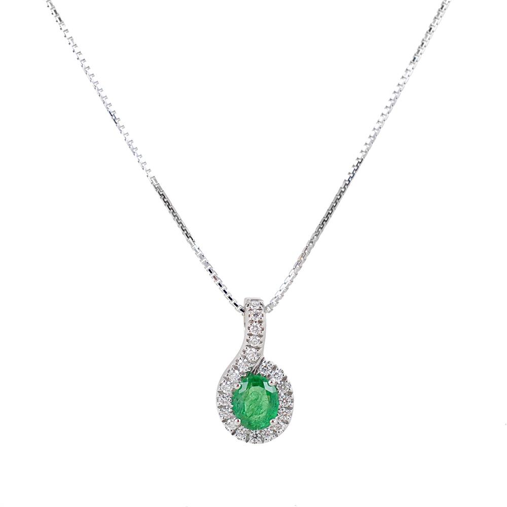 Collana con ciondolo Smeraldo ovale e contorno di diamanti Gioielli Valenza