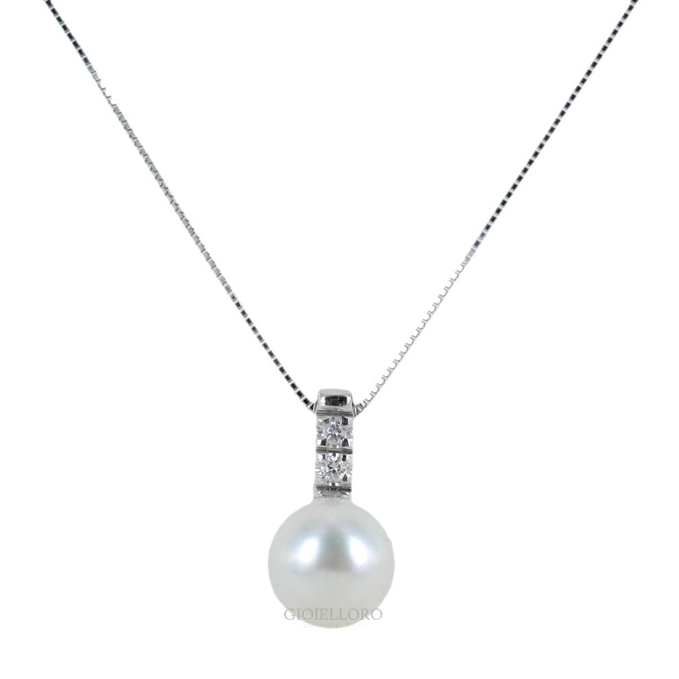 Collana con ciondolo perla Giapponese 8-8.50 mm e diamanti