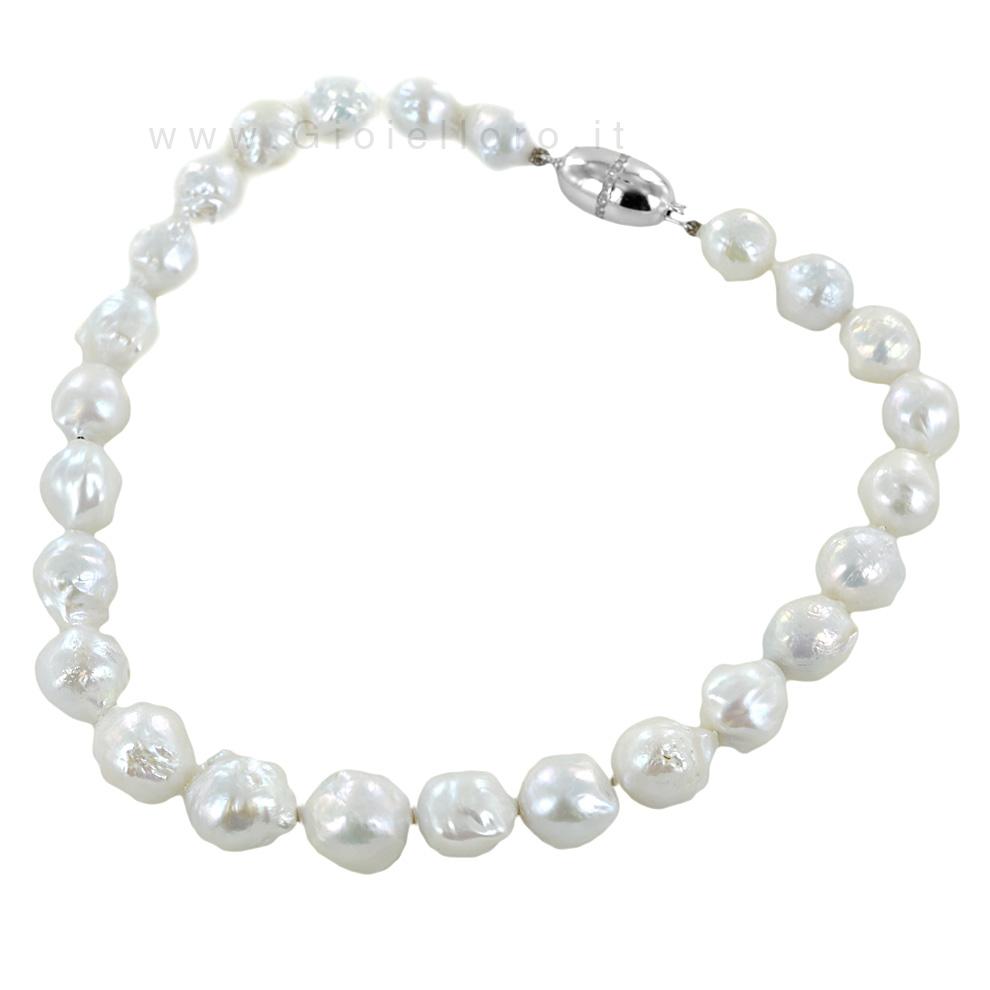 Collana di perle barocche con chiusura con zirconi