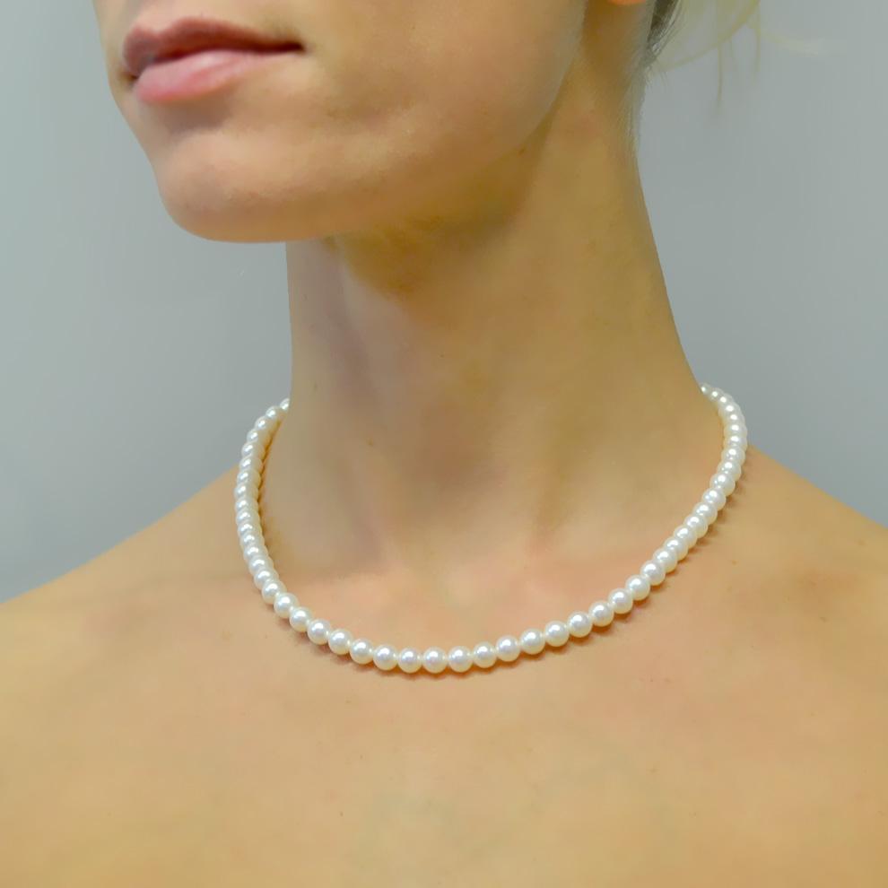 Collana filo di perle di Acqua Dolce 6.50-7.00 mm con chiusura in oro bianco