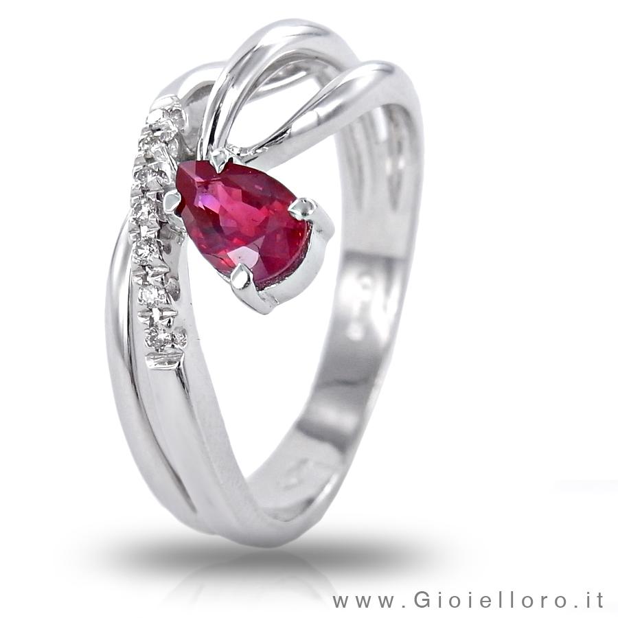 Anello in oro con diamanti e rubino ct 0.50