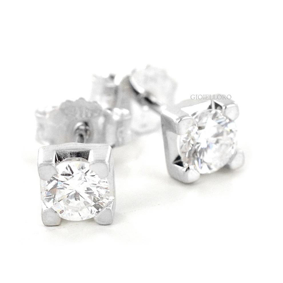 Orecchini Punto luce grandi in oro e diamanti oltre mezzo carato