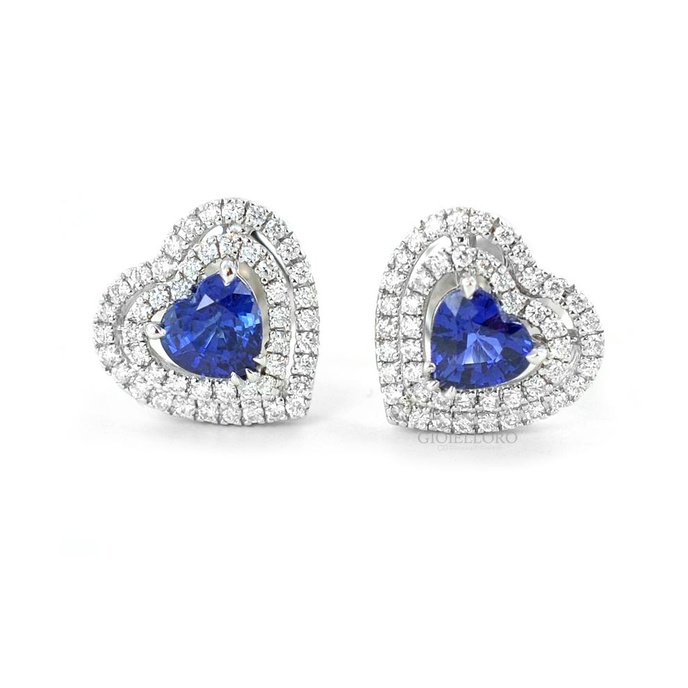 Orecchini con Zaffiro taglio cuore e doppio contorno di diamanti Gioielli Valenza