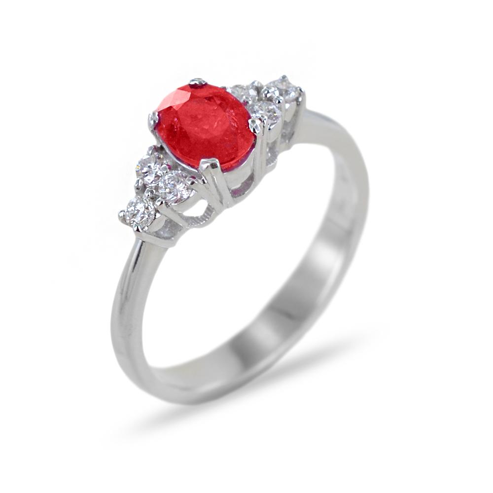 Anello con Rubino ct 0.80 e Diamanti sul gambo
