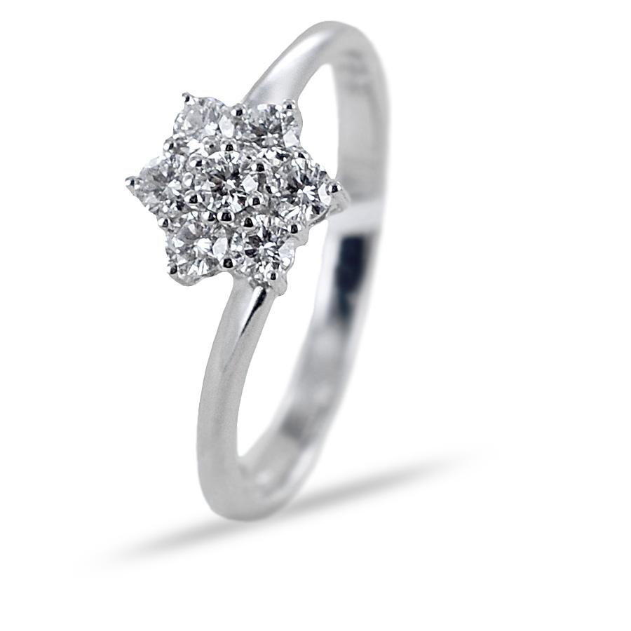 Anello con stella di diamanti e gambo sfalsato