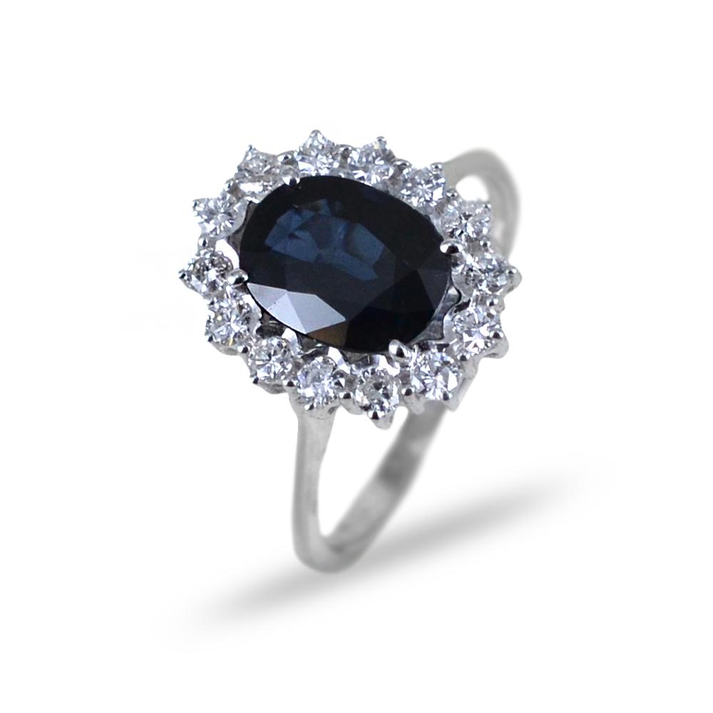 Anello con Zaffiro rosetta di diamanti