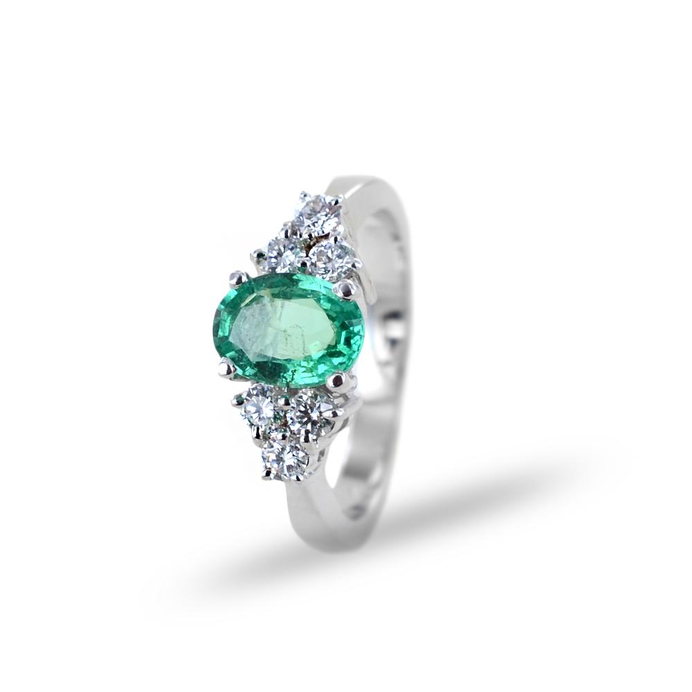 Anello fantasia grande Smeraldo un carato e Diamanti