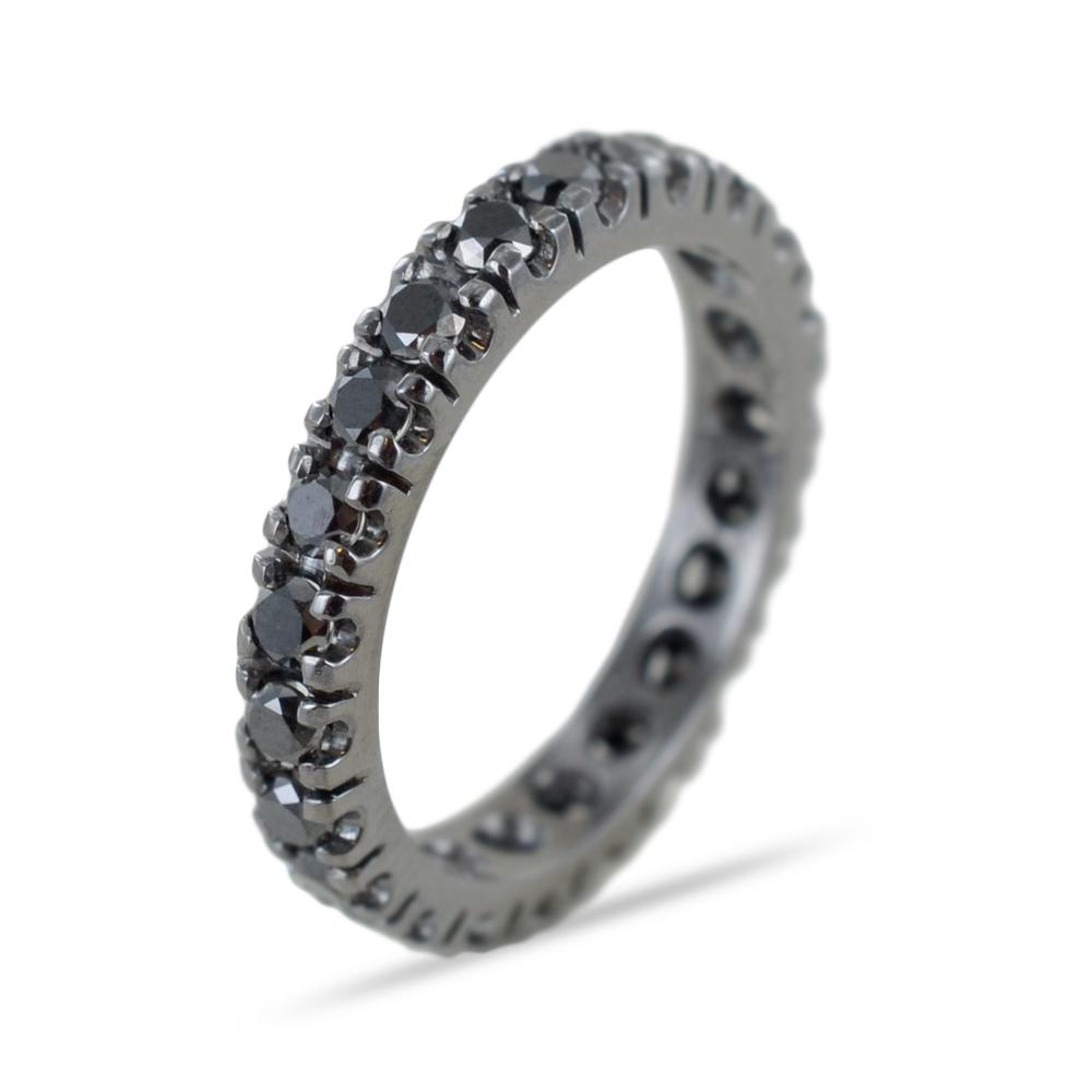 Anello fedina Eternity in oro e diamanti neri ct. 1,27