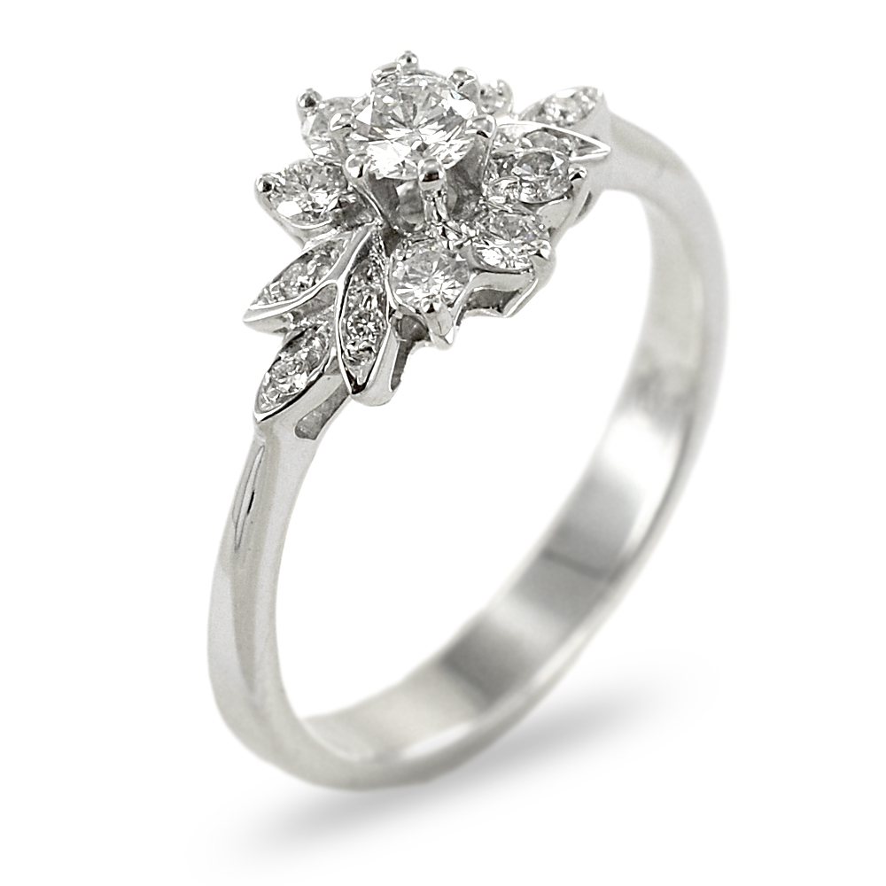 Anello in oro bianco e diamanti Solitario fantasia