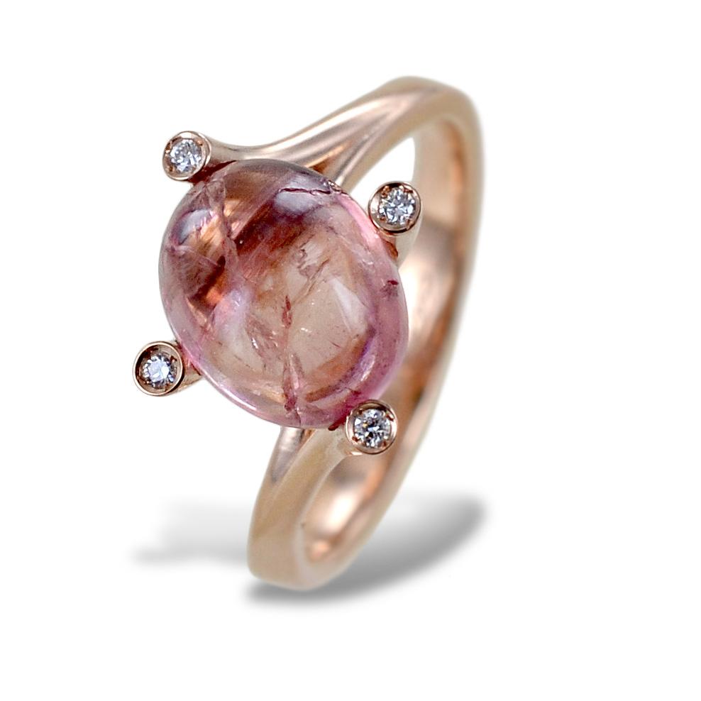 Anello particolare con tormalina cabochon sferica rosa e diamanti naturali