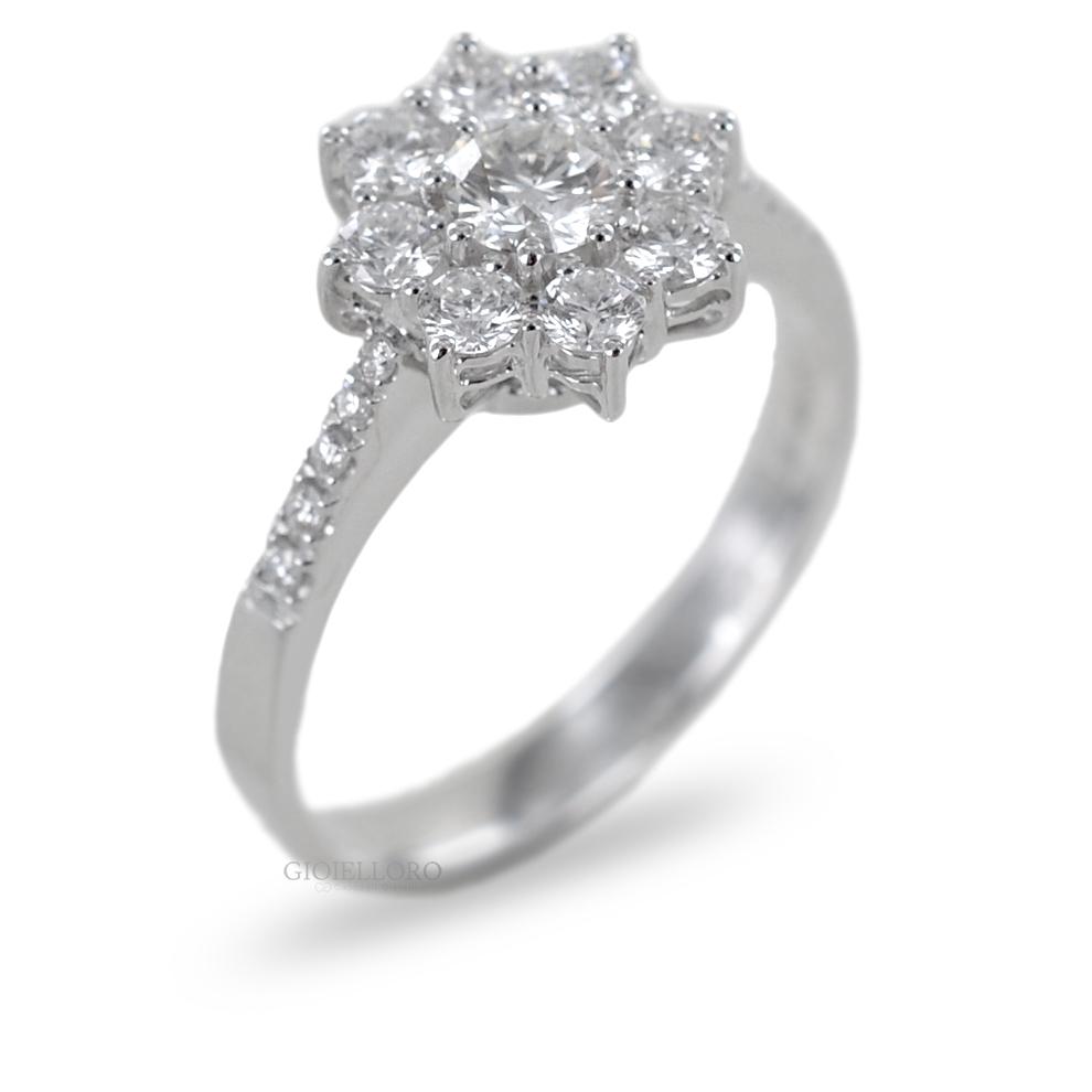 Anello Rosetta con Diamanti per carati 0.75 F VS Gioielli Valenza