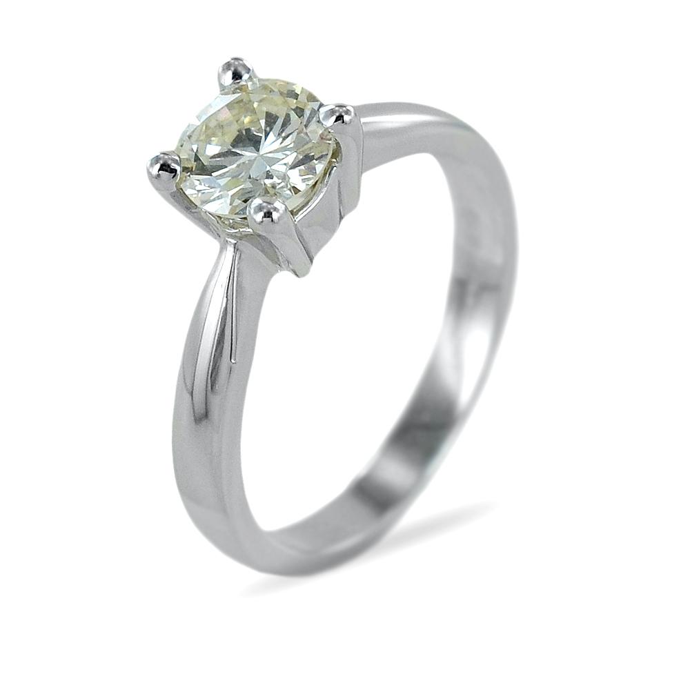 Anello solitario con diamante da quasi un carato colore J