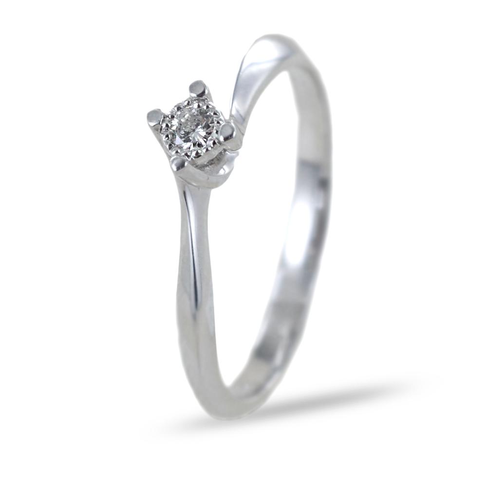 Anello solitario con incastonatura diamantata e diamante ct 0.06