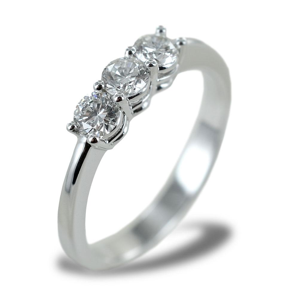 Anello Trilogy grande con diamanti da oltre mezzo carato