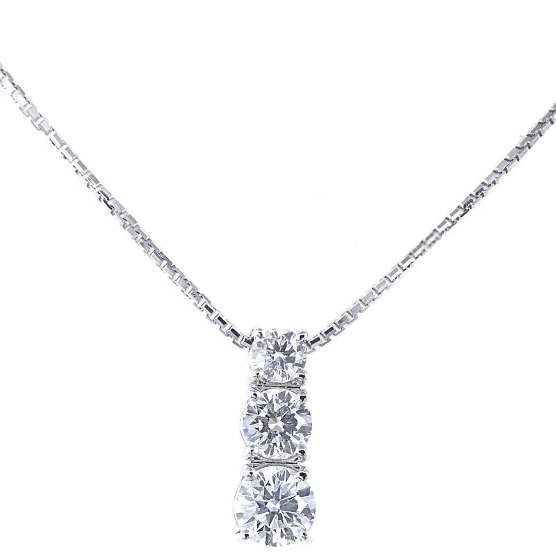 Ciondolo Trilogy a scalare in oro e diamantect. 0.58