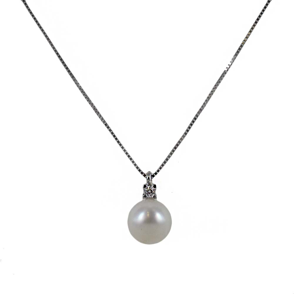 Collana con ciondolo perla Giapponese 7.50 mm e diamante