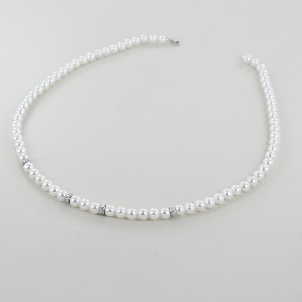 Collana Filo di Perle Freshwater 5.50 - 6.00 mm con anelli diamantati