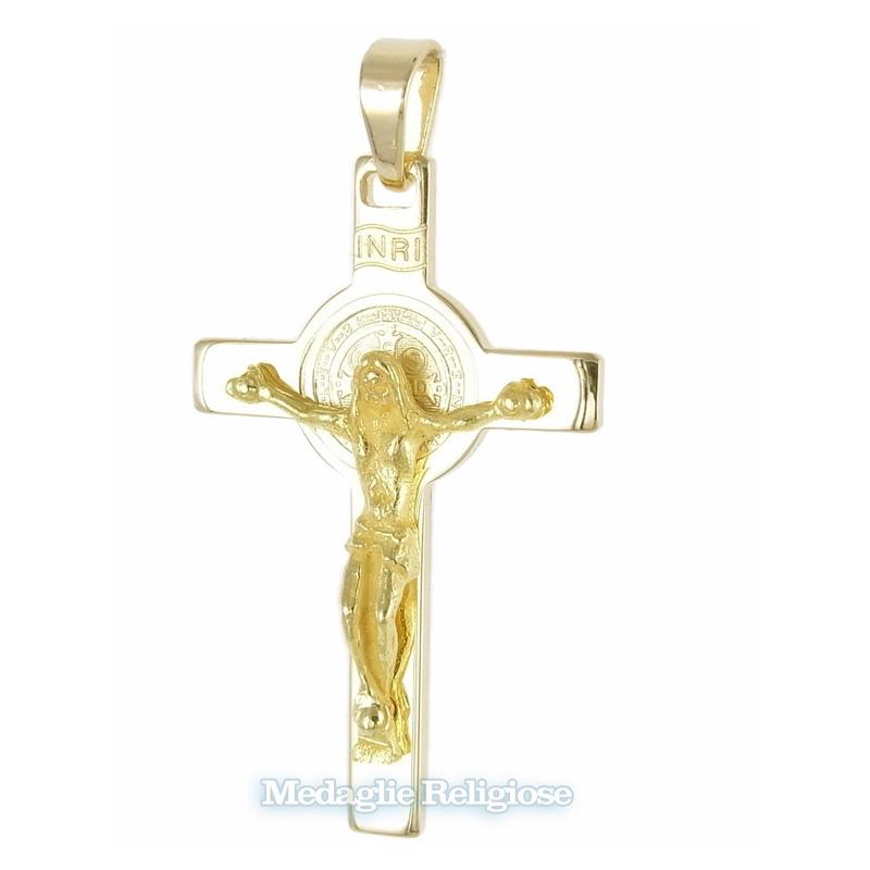 Croce di San Benedetto in oro giallo con medaglia