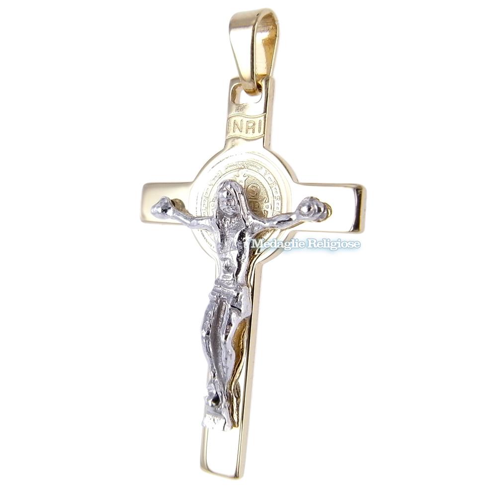 Croce di San Benedetto in oro giallo e bianco con medaglia