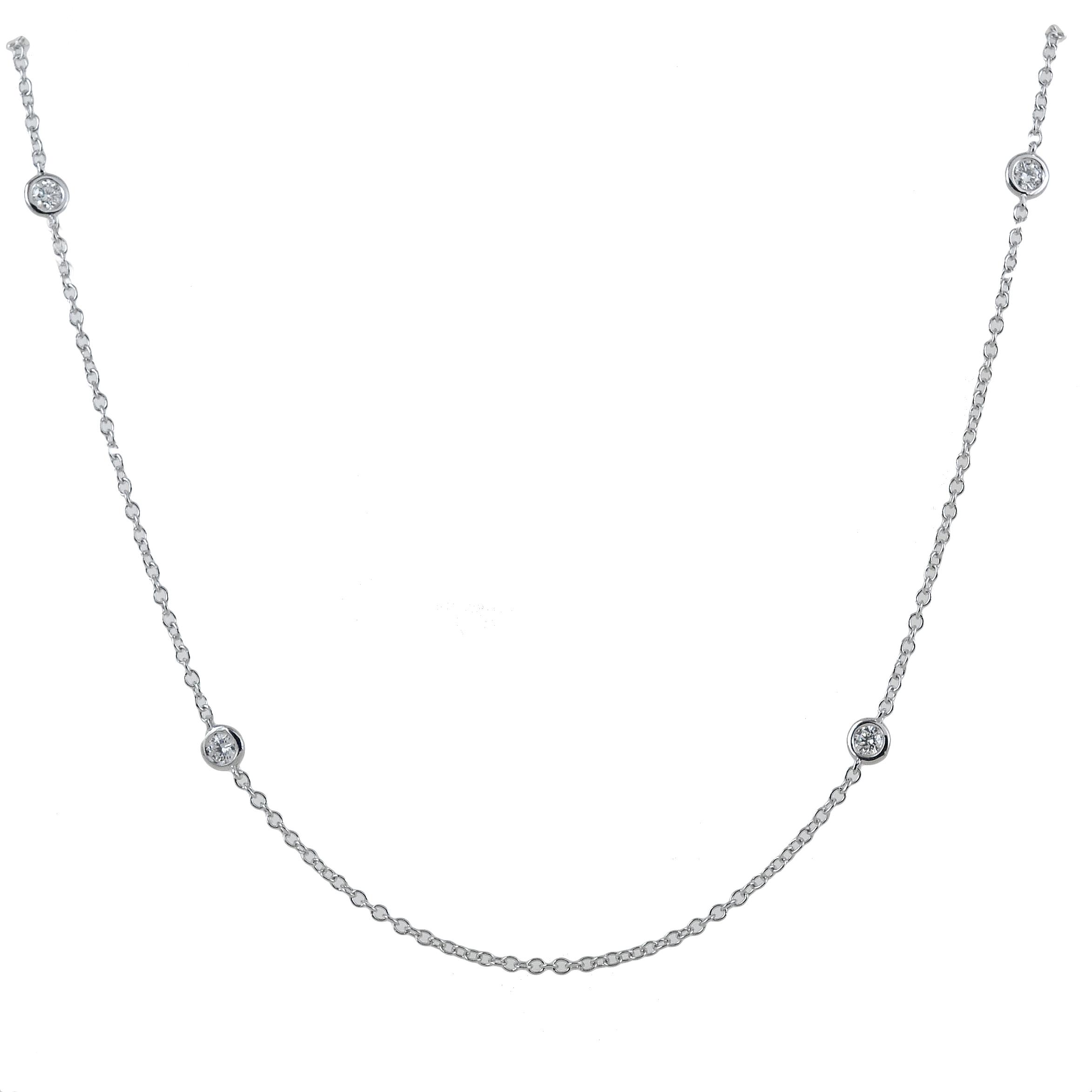 Girocollo con diamanti sparsi sulla collana Gioielli Valenza