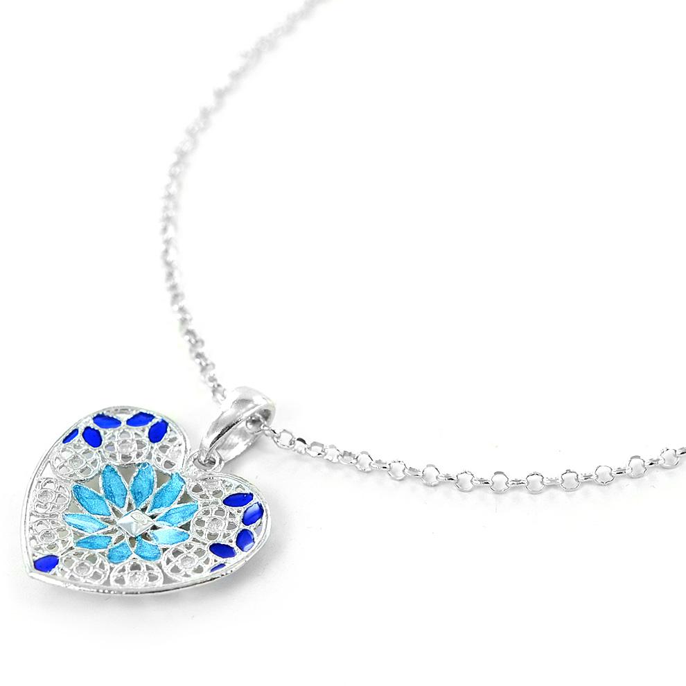 be1c1e815ee89d Collana in argento con pendente cuore e smalti azzurri collezione Notre Dame  - gallery 5
